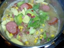 Sauerkraut Eintopf mit Porree, Mais und Cabanossi - Rezept