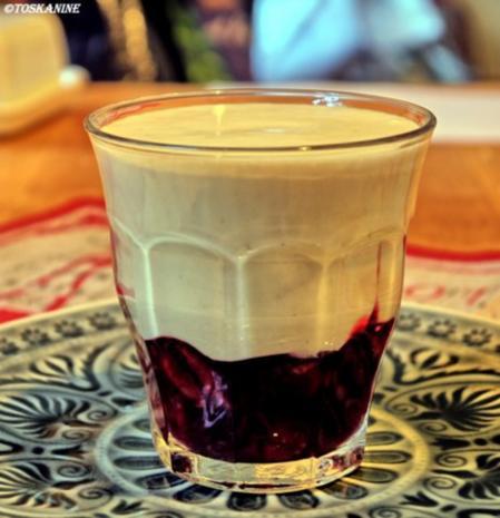 Tonka-Creme auf Gewürzkirschen - Rezept