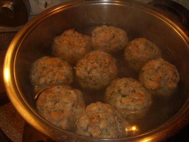 Gebackenes Eisbein mit Sauerkraut und Semmelknödel - Rezept - Bild Nr. 2