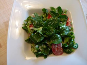 Feldsalat zu panierten Kalbskoteletts - Rezept