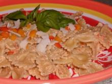 Pastaküche: Farfalle mit Ziegenkäse-Pistazien-Pesto - Rezept