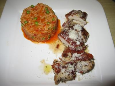 Hähnchenbrust in Serranoschinken mit Djuvec-Reis - Rezept