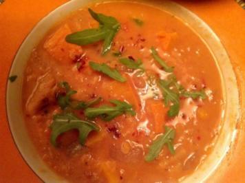 Kürbissuppe mit roten Linsen - Rezept