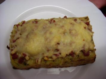 "Pizza Salami ""Spezial"" - Rezept"