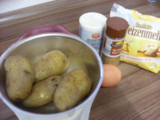 """Fingernudeln   wir haben sie als Kinder schon geliebt unsere """"Kartoffelwürschtle"""" - Rezept - Bild Nr. 3"""