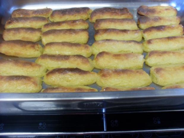 """Fingernudeln   wir haben sie als Kinder schon geliebt unsere """"Kartoffelwürschtle"""" - Rezept - Bild Nr. 2"""