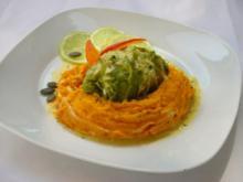 Lachsforelle im Wirsingmantel mit Kürbis-Ingwerpüree und Limettensauce - Rezept