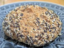 Vollkornweizenbrötchen mit Sauerteig - Rezept