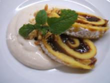Dessert: Powidl-Palatschinken auf Zimt-Honig-Joghurt - Rezept