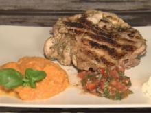 Jerk Chicken, Süßkartoffelpüree und Spicy Tomatoes (Silva Gonzalez) - Rezept