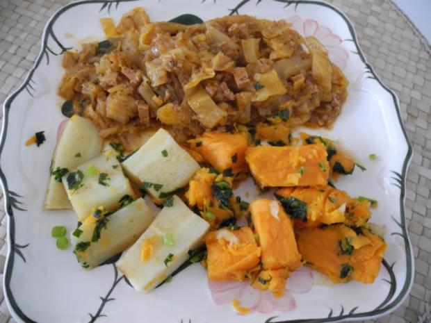 Vegan : Krautgulasch mit Süßkartoffeln und Pastinaken - Rezept