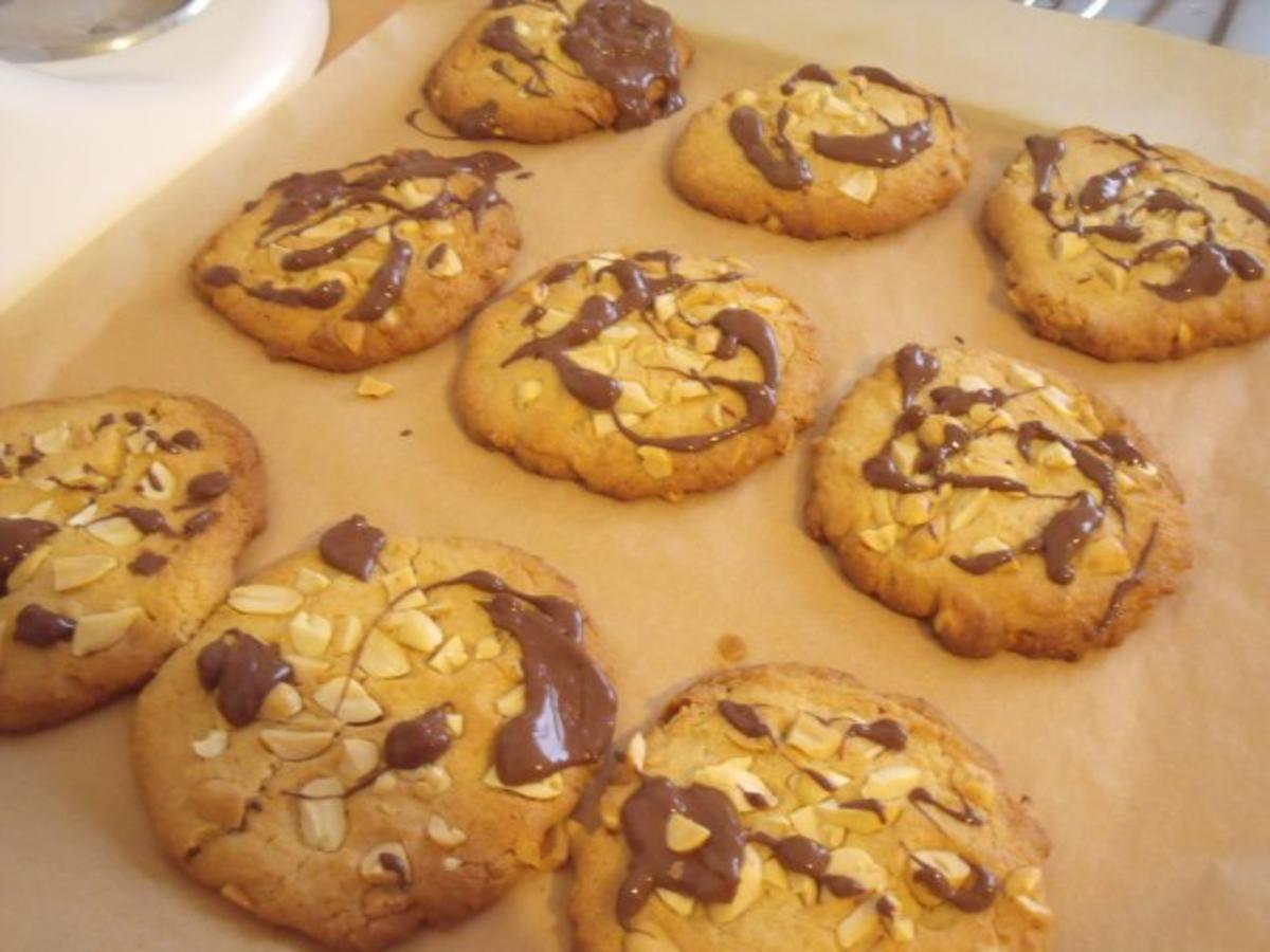 Peanut Cookies / Erdnuss Kekse - Rezept von Elchipanzi