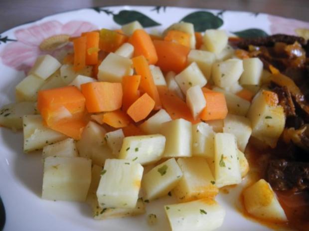 Vegan : Soja - Gulasch an Gemüse - Rezept - Bild Nr. 3