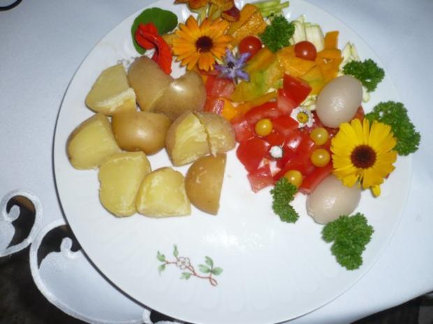 Pellkartoffeln, Tofupfanne, Rohkost - Rezept - Bild Nr. 2