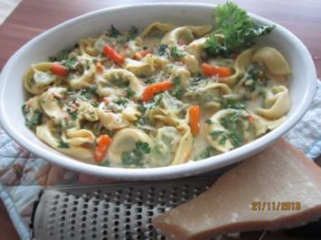 Rezept: Tortellini-Gratin mit Gemüse