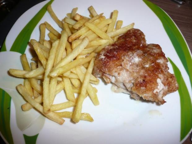 Cordon Rouge mit Pommes und Salat. - Rezept
