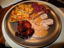 Gänsebrust in Rotwein-Orangensauce mit Portweinschalotten, Semmel-Pilztörtchen u. Rotkraut - Rezept
