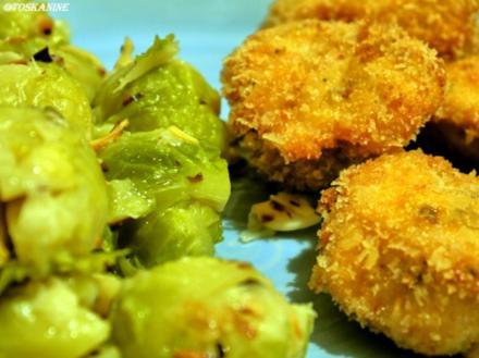 Parmesan-Rosenkohl mit würzigen Hähnchennuggets - Rezept