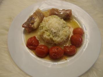 Saltimbocca vom Maishähnchen mit Lauchrisotto und Ofentomaten - Rezept