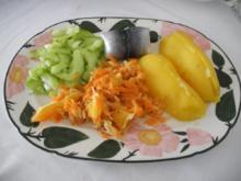 Fisch : Bismarckhering mit Pellkartoffeln, dazu Gurken - und Karotten-Apfel-Orangen-Salat - Rezept