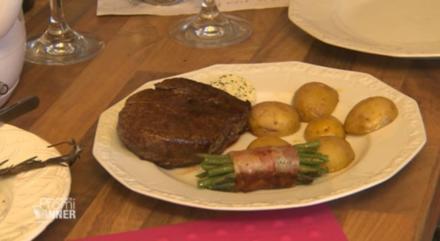Rinderfilet mit grünen Bohnen im Speckmantel und Rosmarinkartoffeln (Patrick Hufen) - Rezept