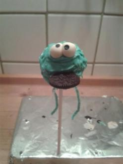 Cake Pops - Krümelmonster - mit schokoladiger  - dunkler - Füllung - Rezept
