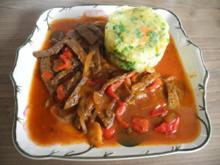 Vegan : Paprika - Soja - Gulasch mit Viererlei Gemüsestampf - Rezept