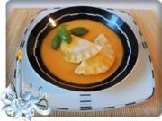 Hausgemachte Ravioli mit Muskatkürbis-Füllung  als perfekte Suppeneinlage - Rezept