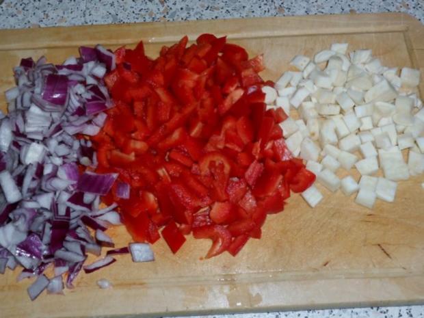 Eintöpfe/Suppen: Deftiger Kartoffel-Sauerkraut-Eintopf mit Paprika und Cabanossi - Rezept - Bild Nr. 3