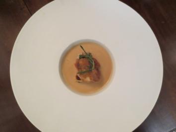 Geflügelcremesuppe mit Madeira und Pilz-Crêpe-Kuchen - Rezept