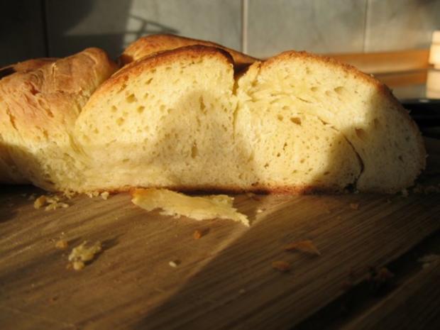 salziger Hefekranz mit Butter - Rezept - Bild Nr. 2
