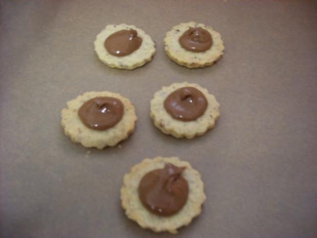 Nußplätzchen lecker gefüllt - Rezept - Bild Nr. 4