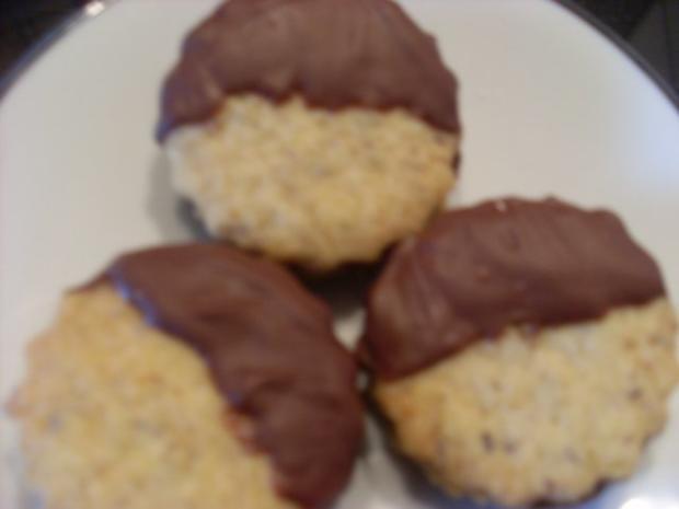 Nußplätzchen lecker gefüllt - Rezept