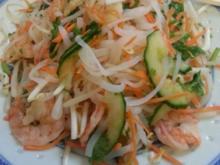 Shirataki Nudelsalat mit Garnelen (Konjaknudelsalat) - Rezept