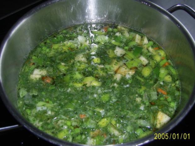 Suppen & Eintöpfe: Nudelsuppe mit knackigem Gemüse - Rezept - Bild Nr. 6