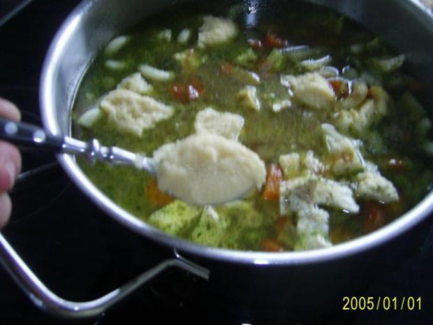 Suppen & Eintöpfe: Nudelsuppe mit knackigem Gemüse - Rezept - Bild Nr. 11