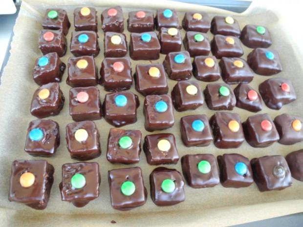Plätzchen & Kekse : Dominosteine mit bunten Punkten ...schnell gemacht - Rezept - Bild Nr. 2