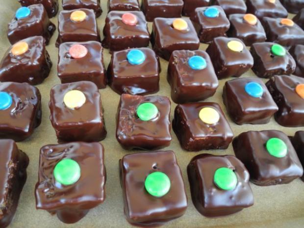 Plätzchen & Kekse : Dominosteine mit bunten Punkten ...schnell gemacht - Rezept