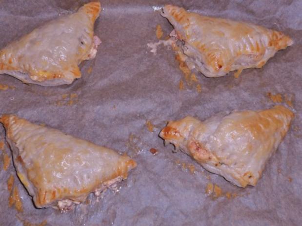 Abendessen/Snack: Blätterteigtaschen mit pikanter Feta-Paprika-Füllung - Rezept - Bild Nr. 7