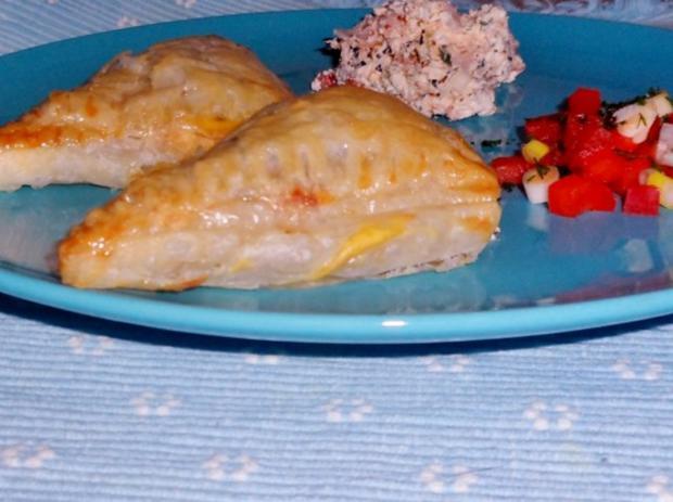Abendessen/Snack: Blätterteigtaschen mit pikanter Feta-Paprika-Füllung - Rezept - Bild Nr. 9