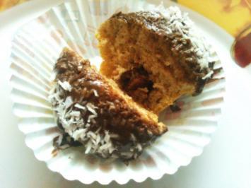 Mini Pfannkuchen Cupcakes gefüllt mit KitKat und Nutella-Cocos Haube - Rezept