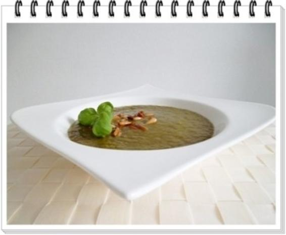 Grünkohl Cremesuppe mit Pinienkerne verfeinert - Rezept - Bild Nr. 12