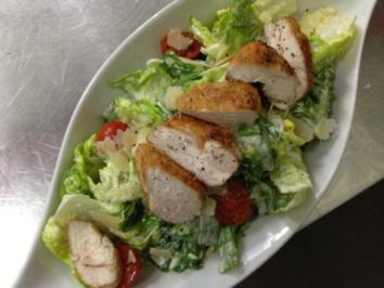Caesar's Salad mit Parmesan & Croutons - Rezept