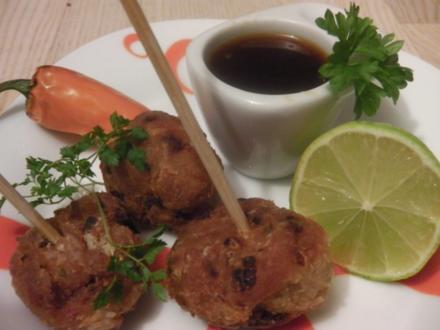 Asiatische Hühner-Fleischbällchen an Dip-Sauce - Rezept