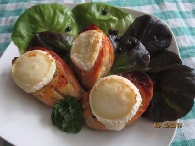 Heisser Ziegenkäse auf Salat - Rezept