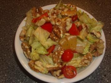 Rezept: Gemischter Salat mit Orangen und Walnüssen