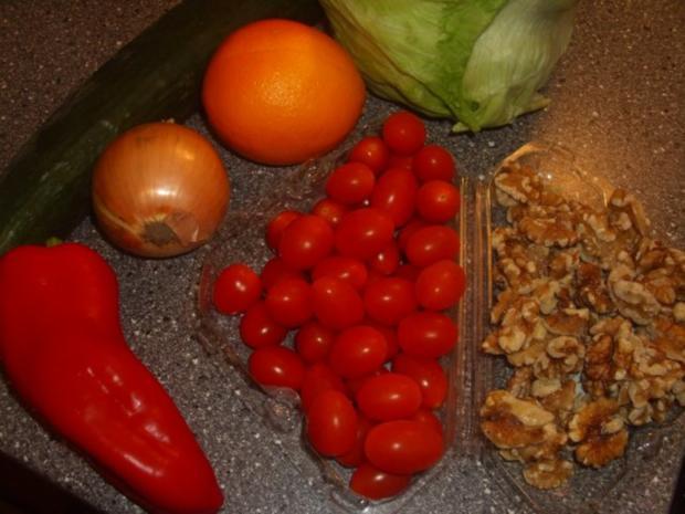 Gemischter Salat mit Orangen und Walnüssen - Rezept - Bild Nr. 2