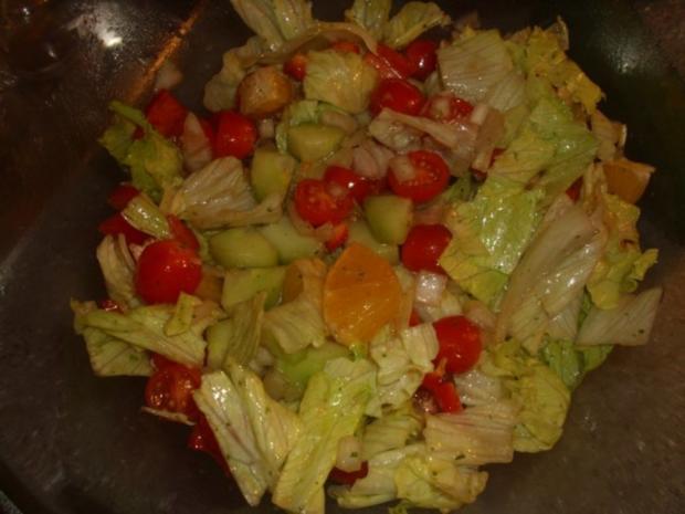 Gemischter Salat mit Orangen und Walnüssen - Rezept - Bild Nr. 6