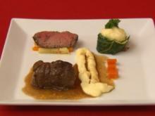 Rouladen und Beef vom Groß Berkler Wiesenrind, dazu Wurzelgemüse und Spitzkohl - Rezept