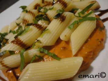 Pasta in Tomaten-Wodka-Sauce - Rezept